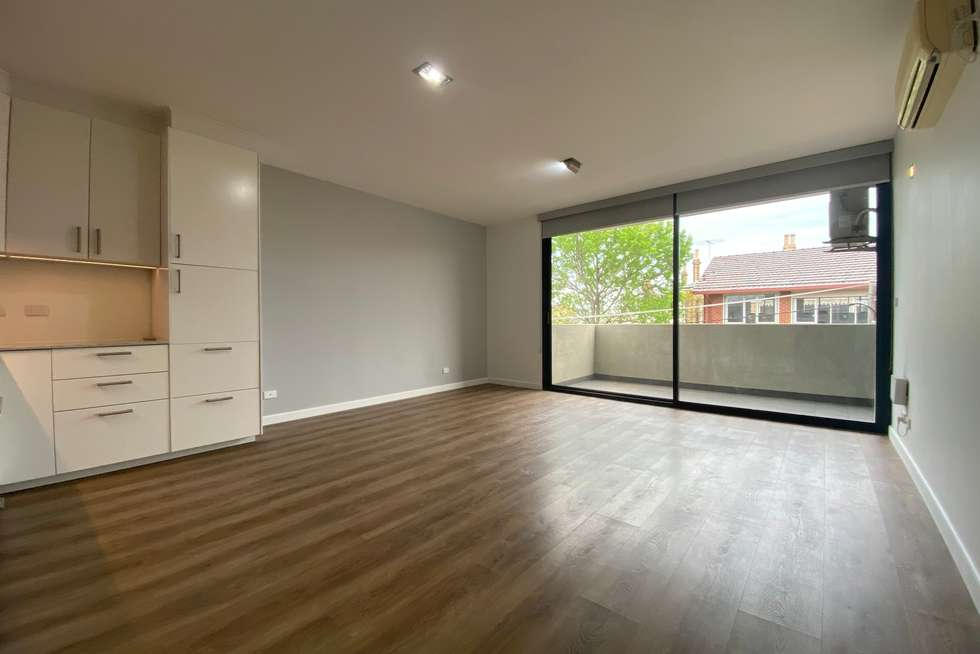 Fourth view of Homely apartment listing, 10/22 Saxon Street, Brunswick VIC 3056