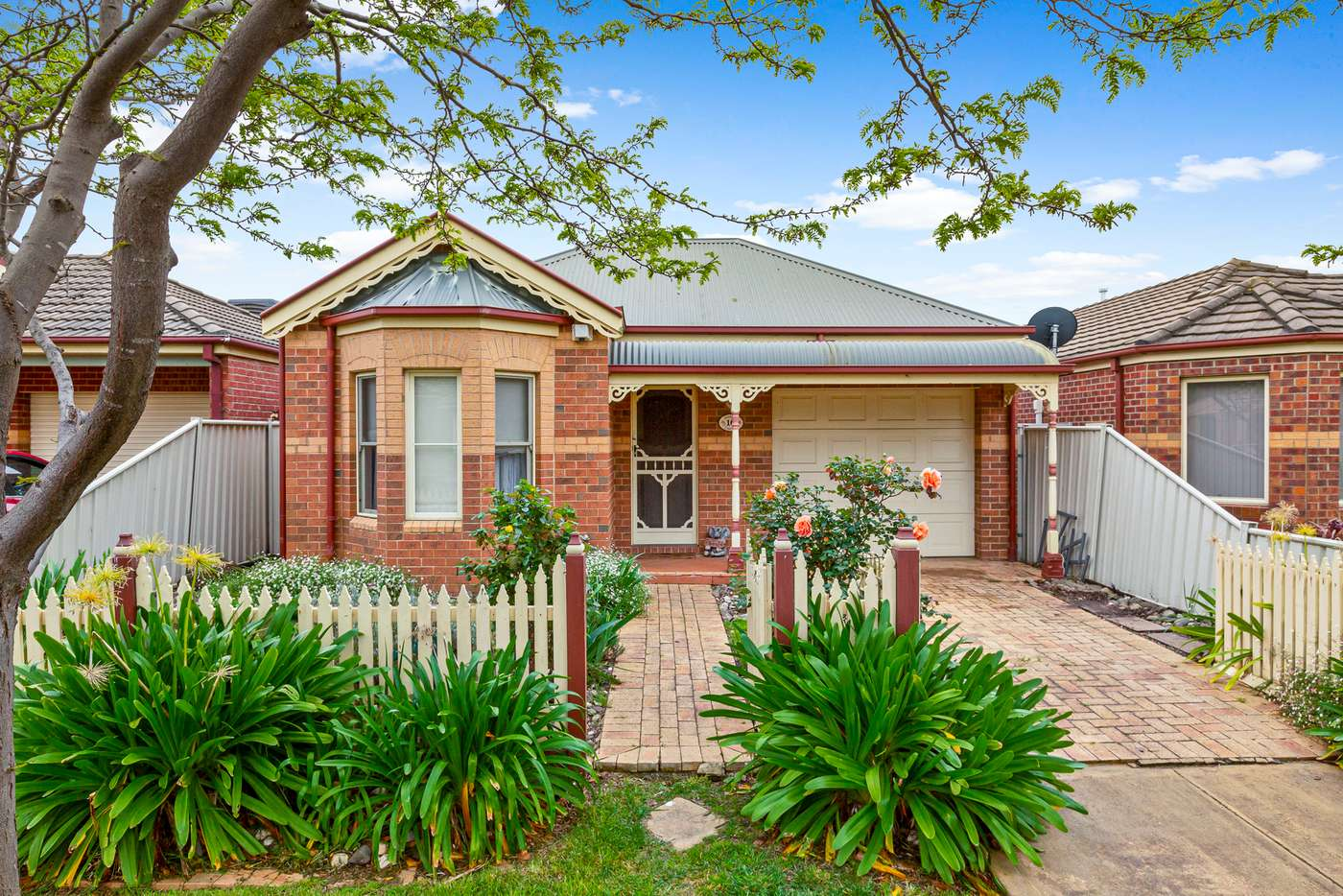 Main view of Homely house listing, 10 Bendigo Circuit, Caroline Springs VIC 3023