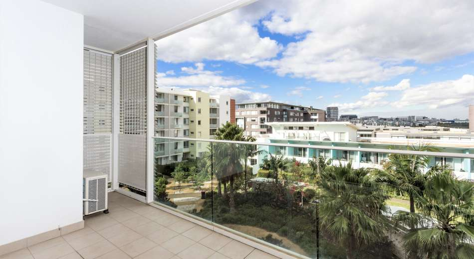 689/33 Hill Road, Wentworth Point NSW 2127