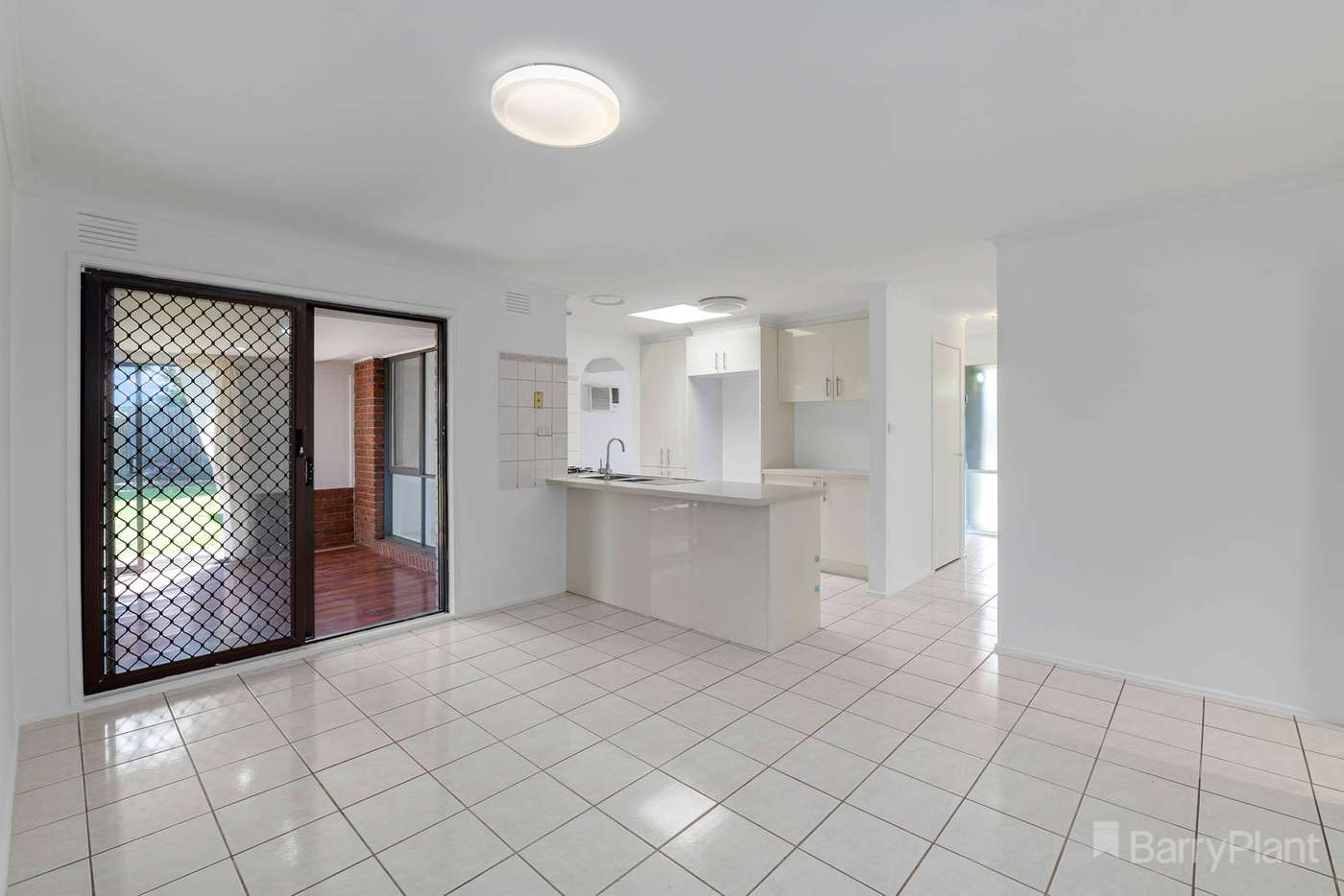 Sixth view of Homely house listing, 2 Wilga Court, Narre Warren VIC 3805