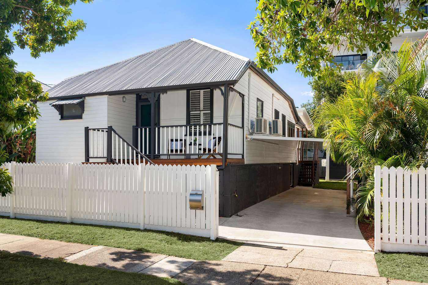 Main view of Homely house listing, 10 Ellis Street, Greenslopes QLD 4120