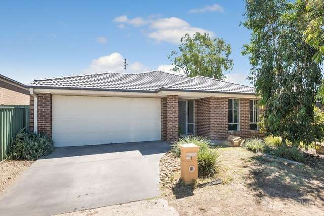 7 Deharl Court, Ascot VIC 3551