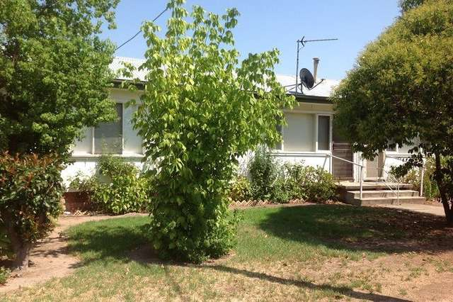 2/439 Bownds Street, Lavington NSW 2641