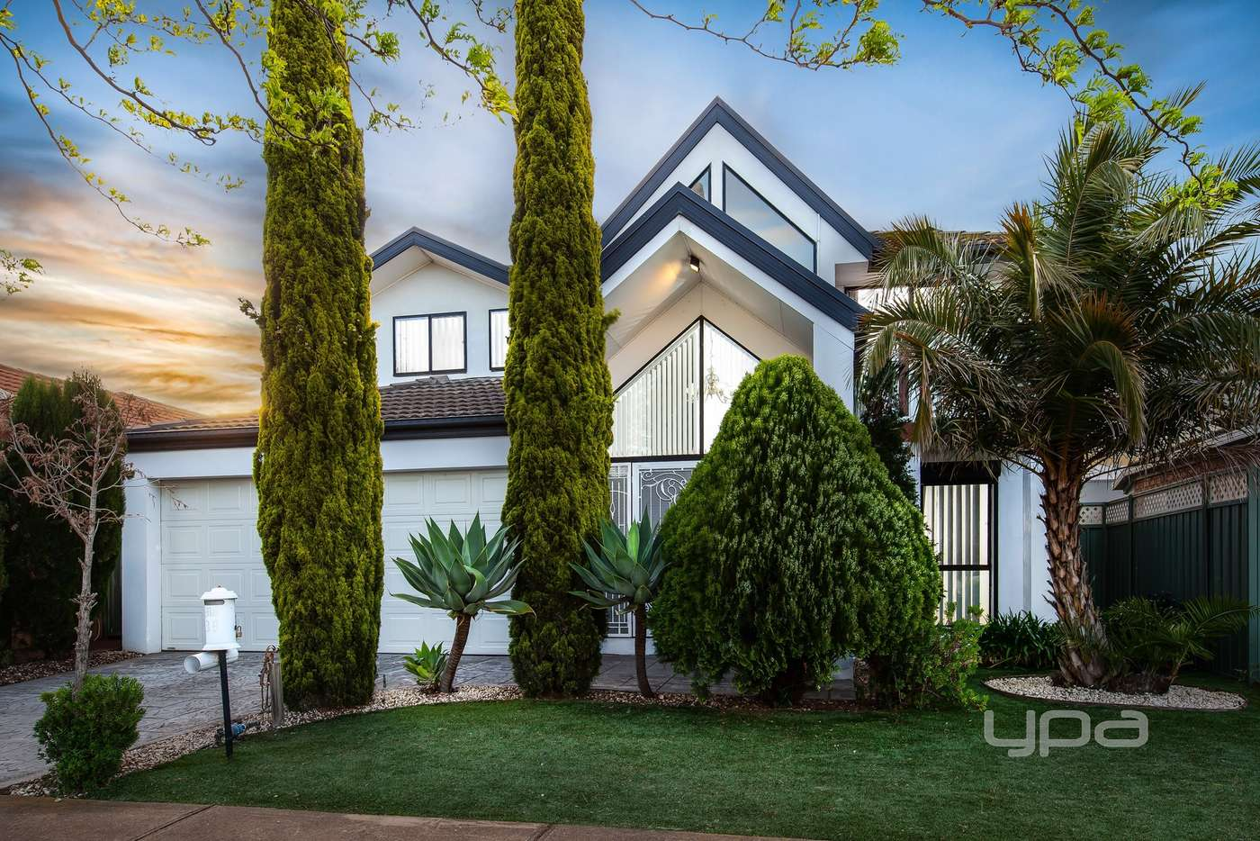 Main view of Homely house listing, 39 William Circuit, Caroline Springs VIC 3023