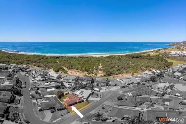 17 Ebbtide Avenue, Caves Beach NSW 2281