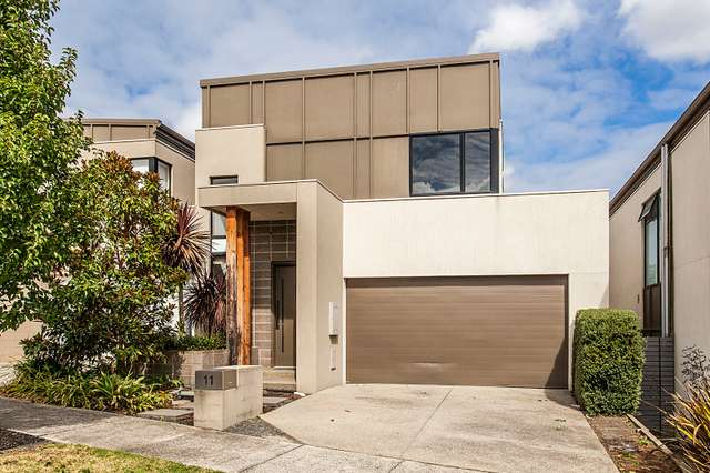 11 Muyan Circuit, Burwood VIC 3125