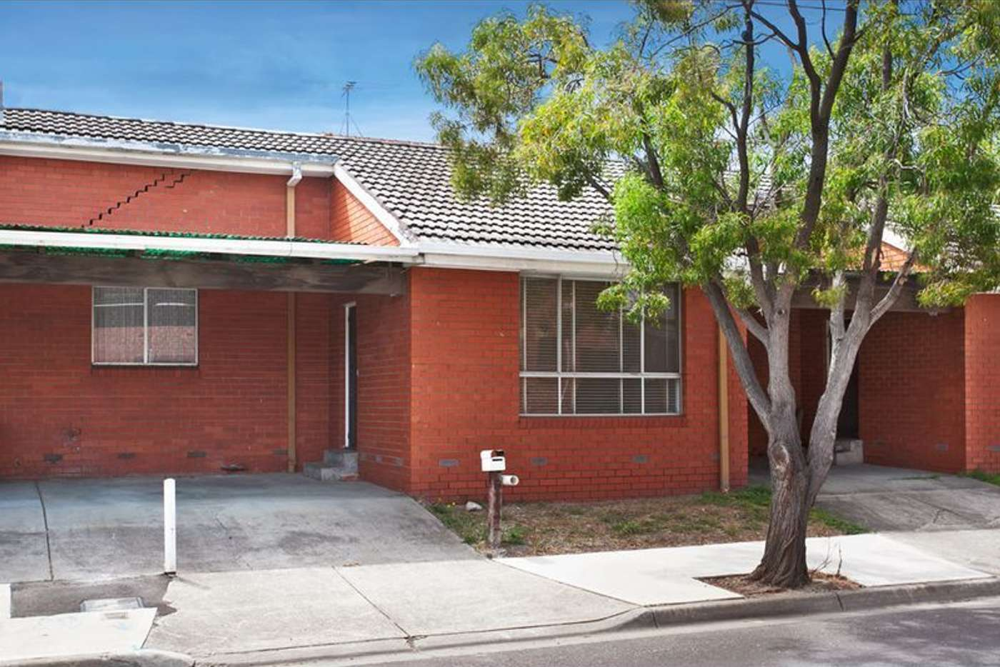 Main view of Homely unit listing, 2/221 Glenlyon Road, Brunswick East VIC 3057