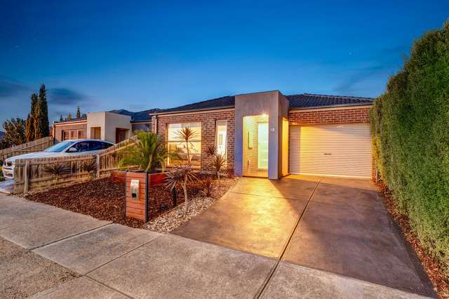 13 Lucas Terrace, Taylors Hill VIC 3037