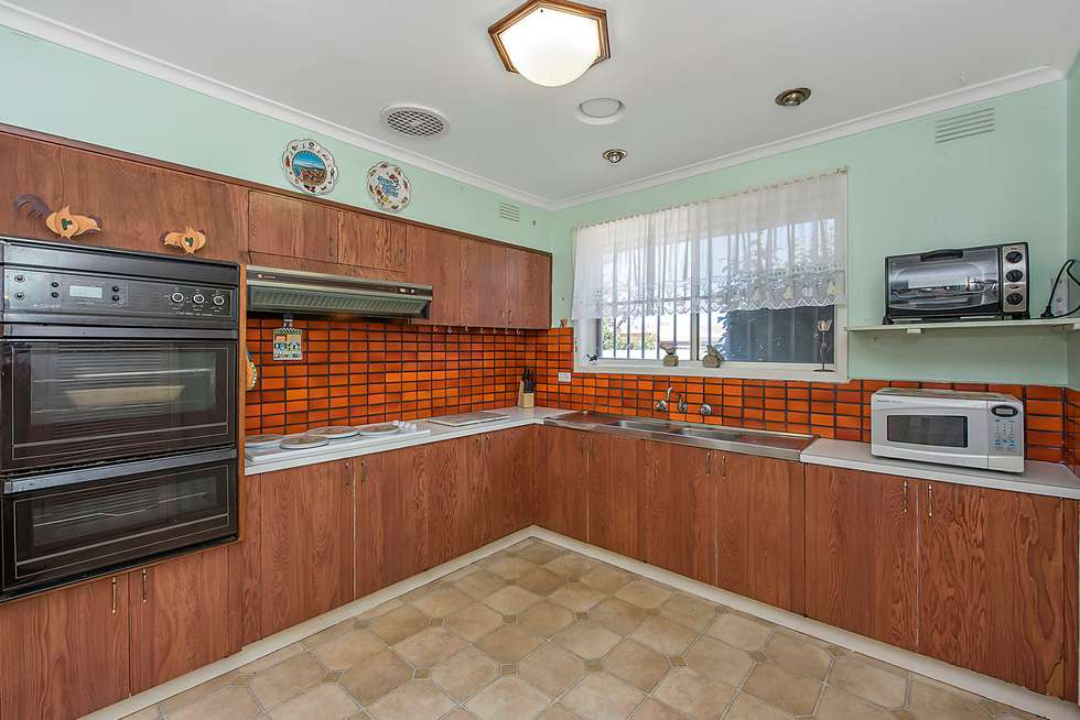Fifth view of Homely house listing, 1 Burwood Court, Thomastown VIC 3074