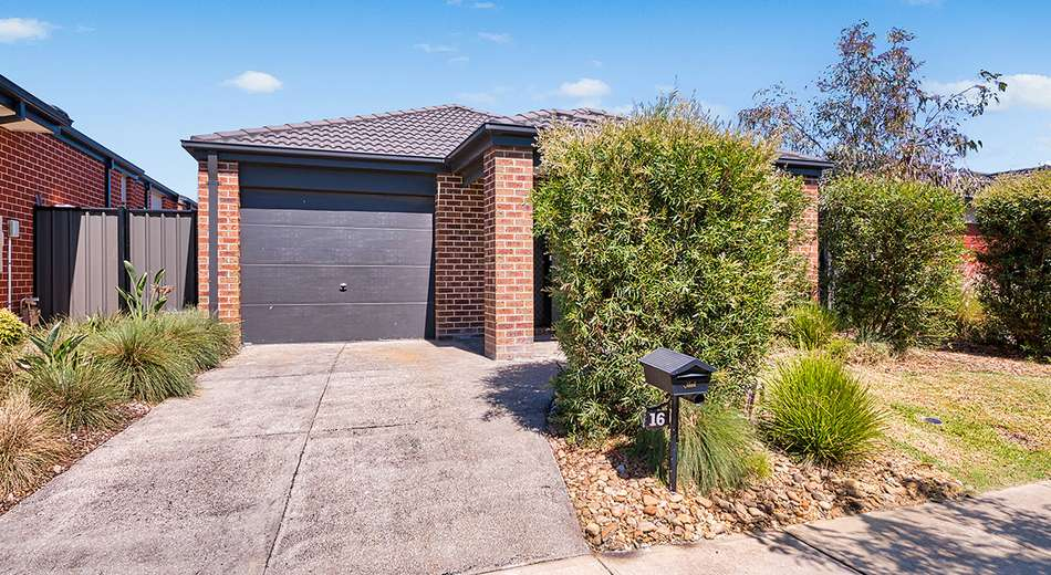 16 Flueve Rise, Clyde North VIC 3978
