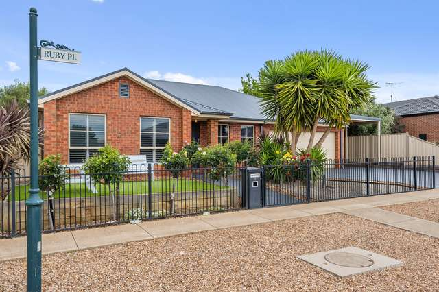 1 Ruby Place, Darley VIC 3340
