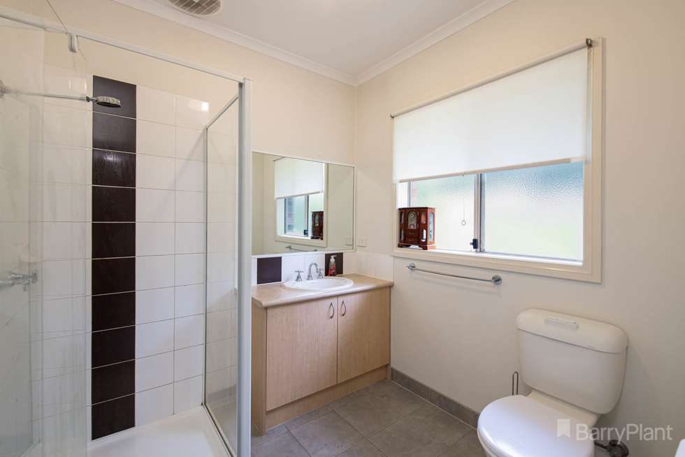 Fifth view of Homely house listing, 2/26 Donday Court, Pakenham VIC 3810