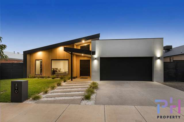 11 Hermitage Road, Maiden Gully VIC 3551