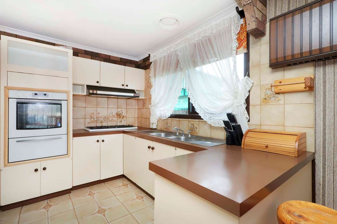 Fifth view of Homely house listing, 2 Empress Court, Sunshine West VIC 3020