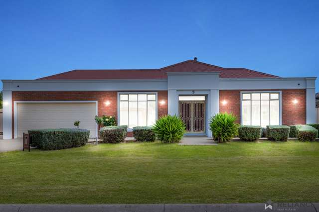 9 Scarborough Crescent, Harkness VIC 3337