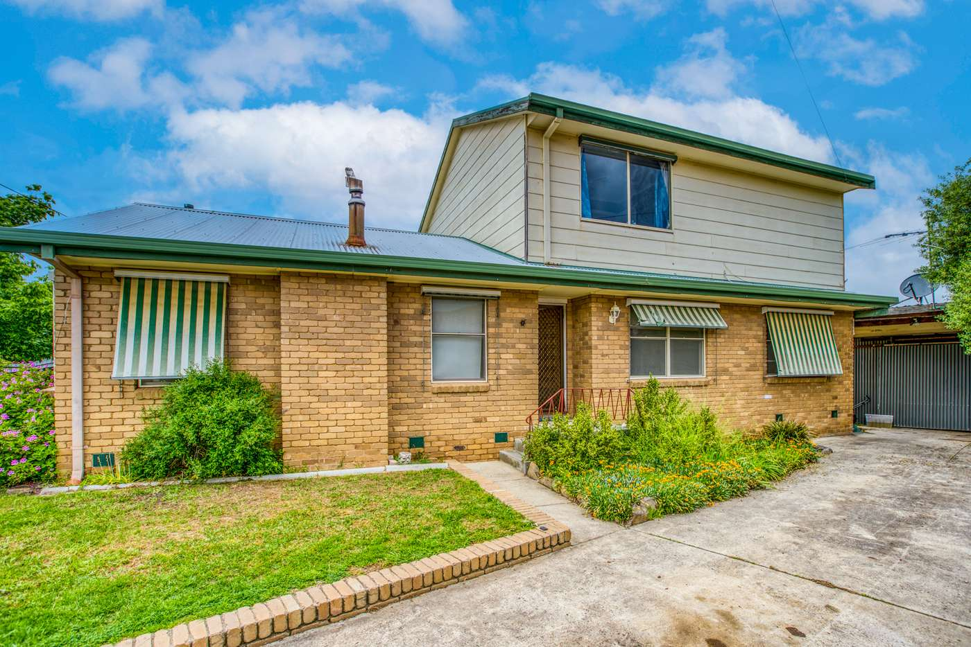 Main view of Homely house listing, 10 Glenview Avenue, Wodonga VIC 3690