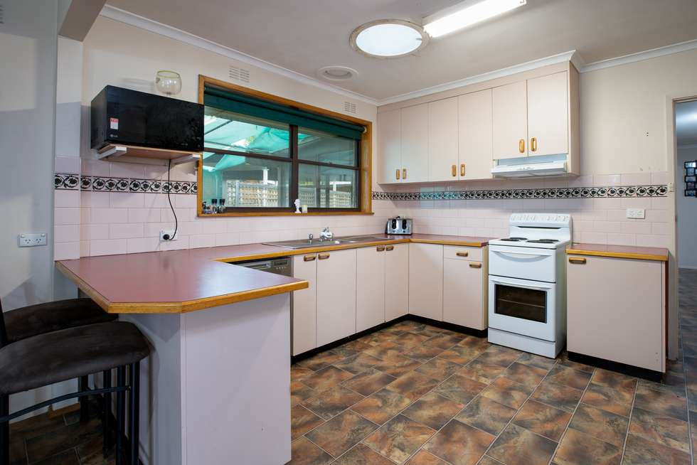 Fourth view of Homely house listing, 10 Glenview Avenue, Wodonga VIC 3690