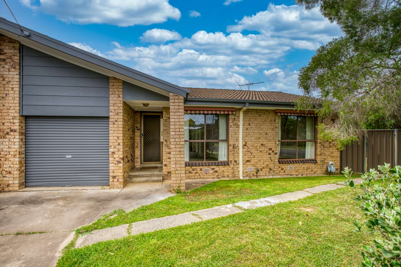 Main view of Homely unit listing, 1/9 Highland Crescent, Wodonga VIC 3690