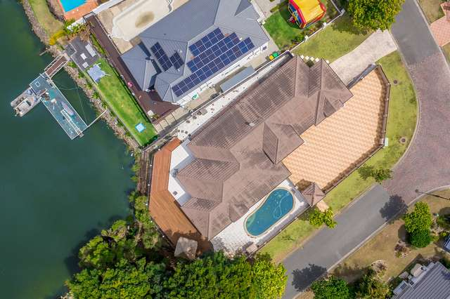 4 Staysail Crescent, Clear Island Waters QLD 4226