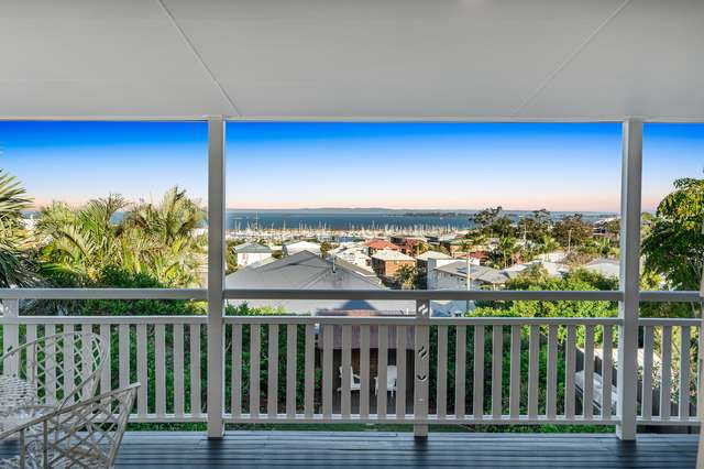 73 Gordon Parade, Manly QLD 4179