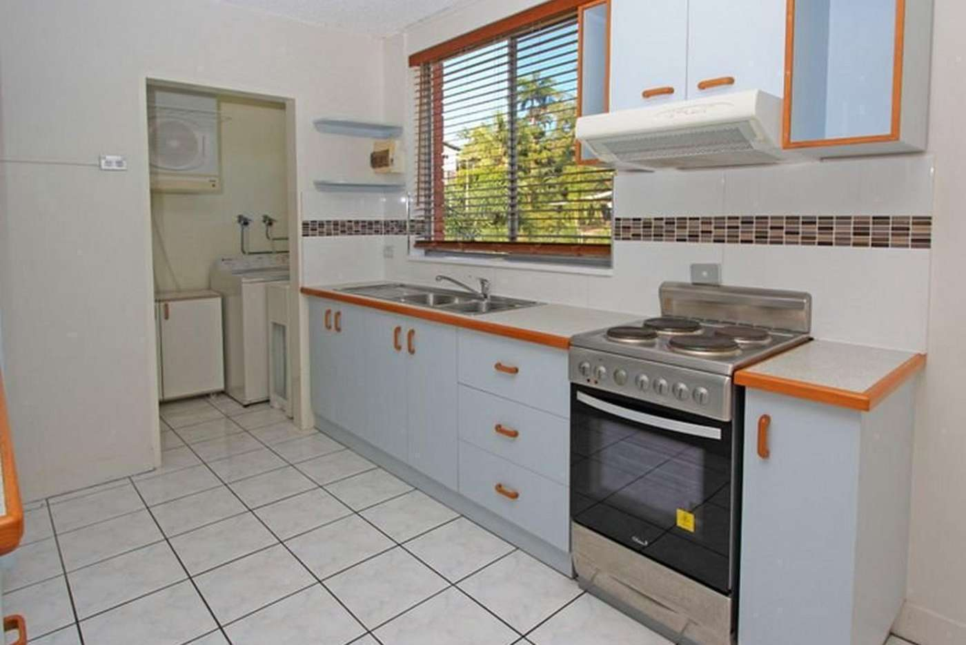 Main view of Homely apartment listing, 9/17 Stanton Terrace, North Ward QLD 4810
