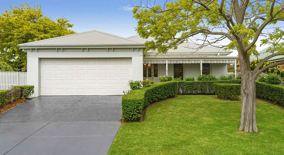 9 Sandtoft Court, Highton VIC 3216