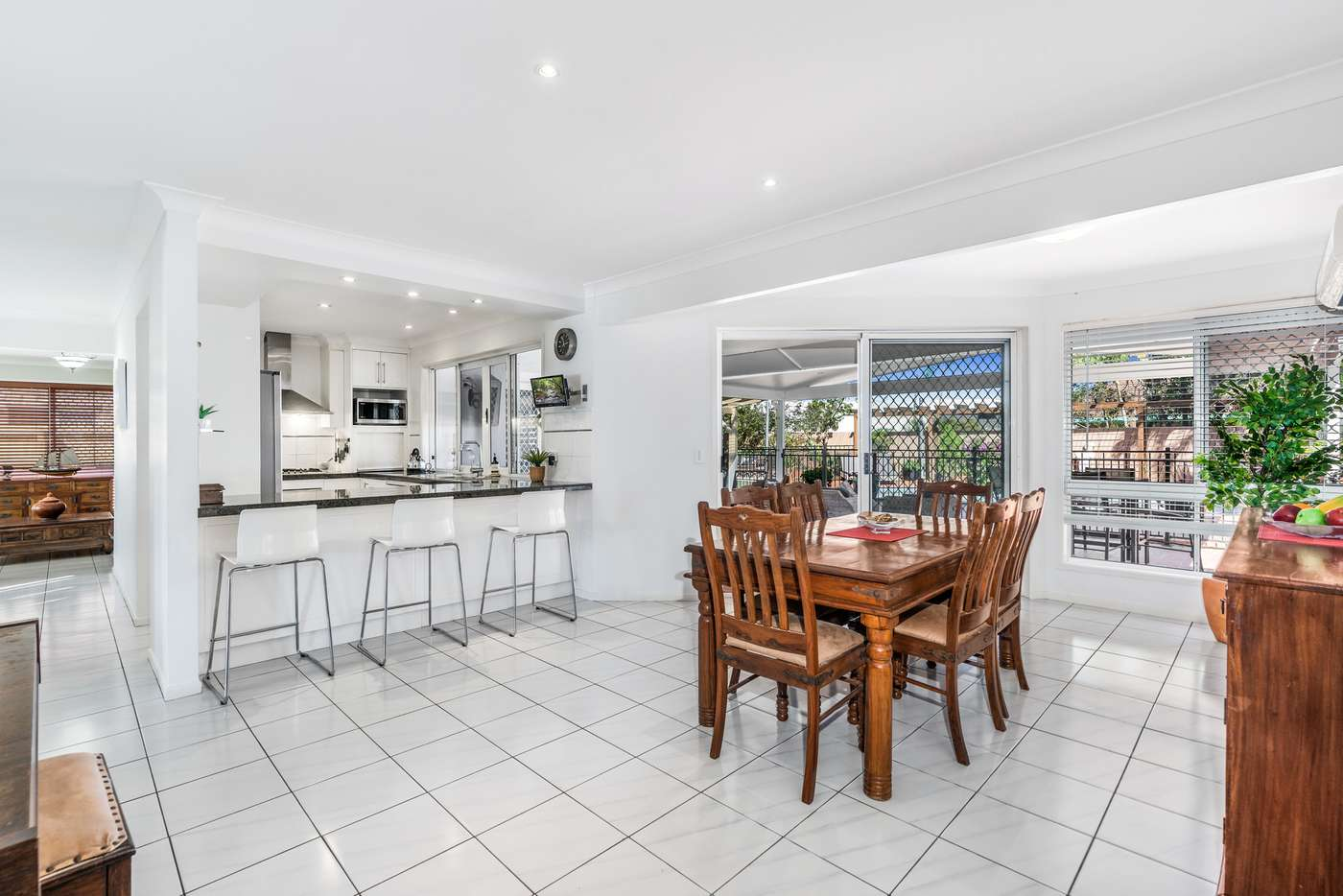 Fifth view of Homely house listing, 2 Wahoo Court, Birkdale QLD 4159