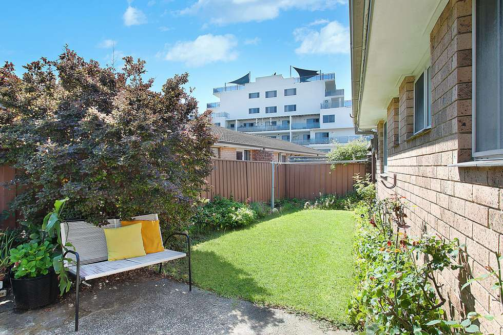 Fourth view of Homely villa listing, 3/38 Oakland Avenue, The Entrance NSW 2261