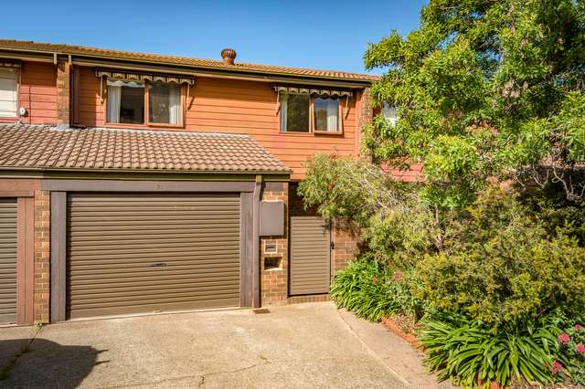 35 Rowe Place, Swinger Hill ACT 2606