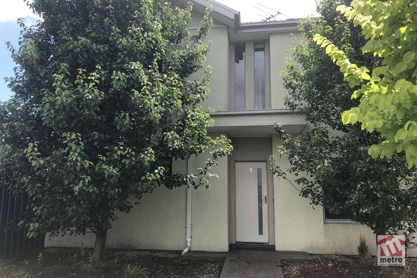 Main view of Homely townhouse listing, 1/11 Howqua Place, Pakenham VIC 3810