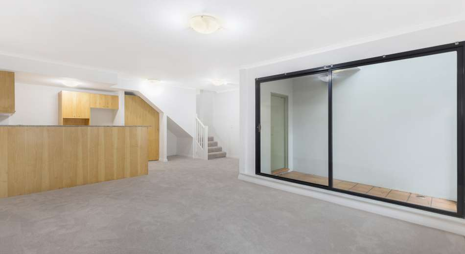 2/173a Cathedral Street, Woolloomooloo NSW 2011