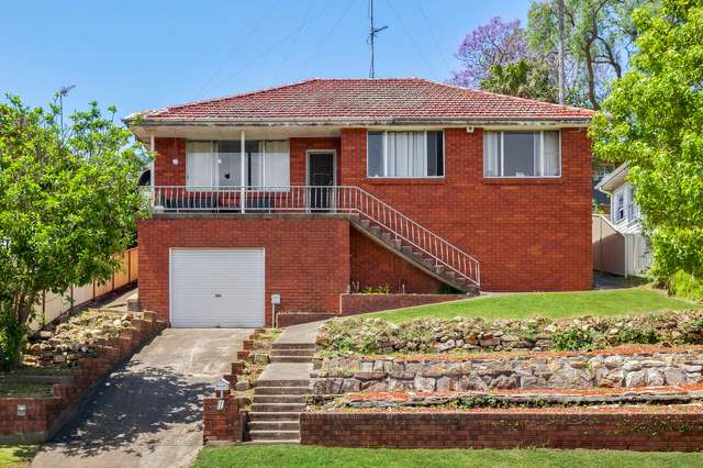 17 Pooraka Avenue, West Wollongong NSW 2500