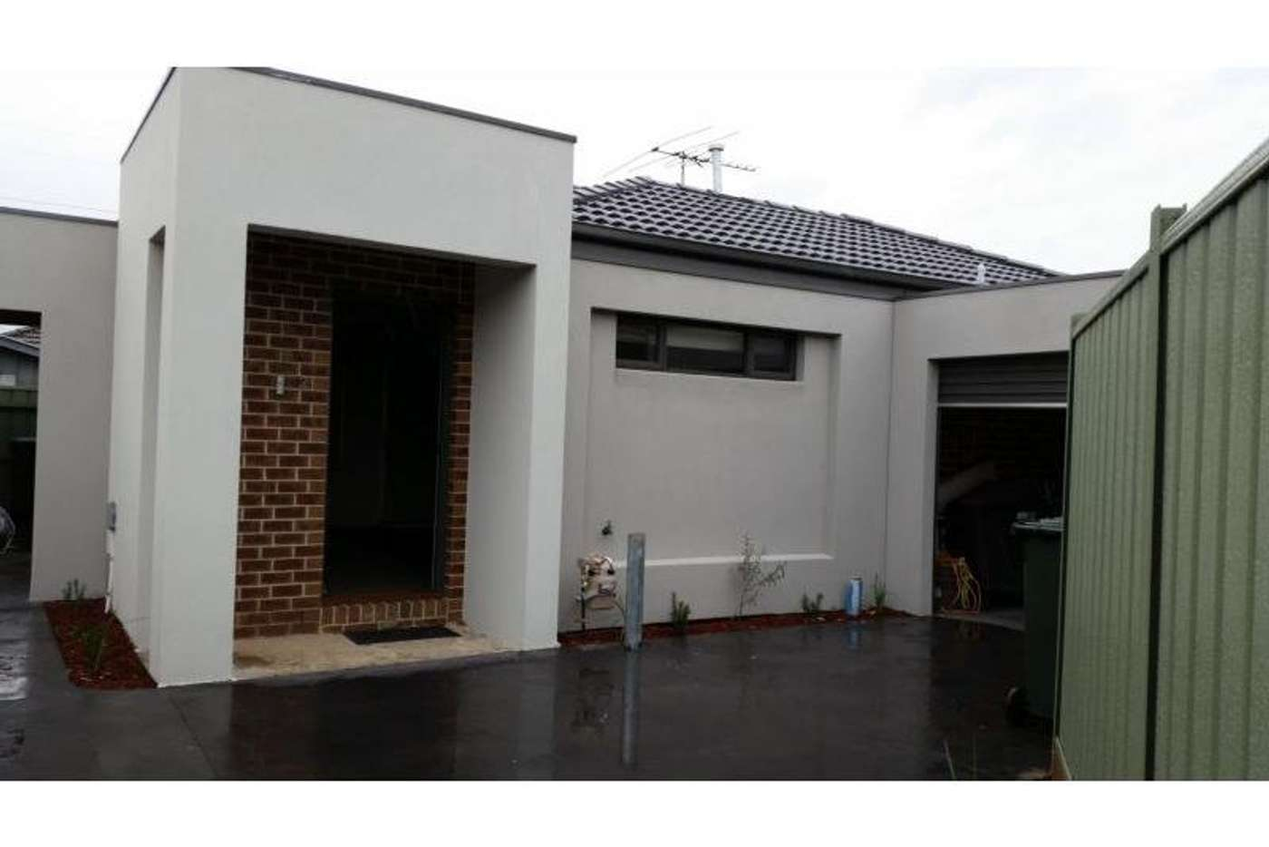 Main view of Homely unit listing, 2/24 Willow Avenue, St Albans VIC 3021