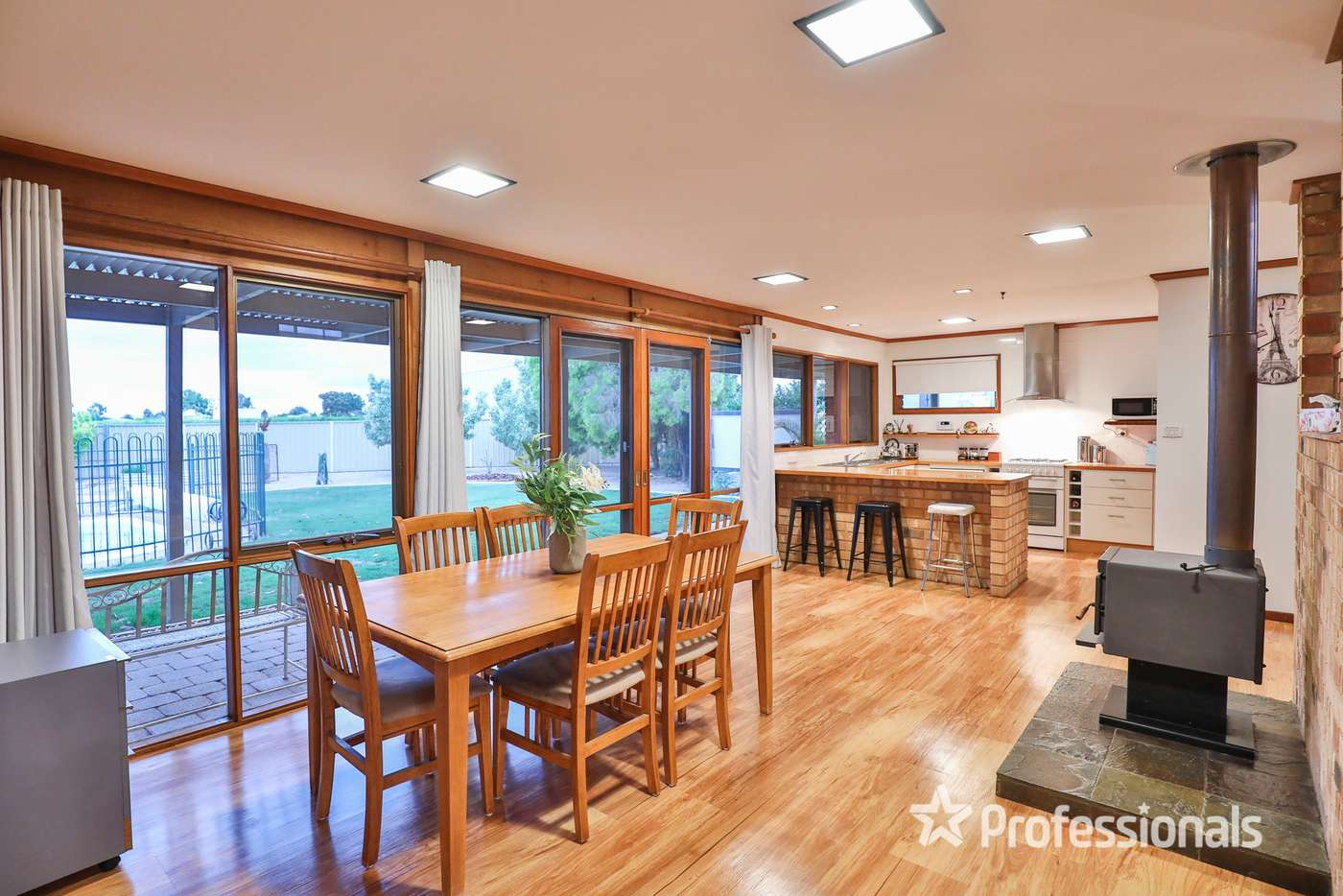 Fifth view of Homely house listing, 916 Koorlong Avenue, Irymple VIC 3498