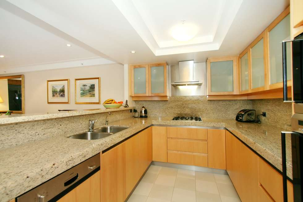 Third view of Homely apartment listing, 61/7 Macquarie Street, Sydney NSW 2000