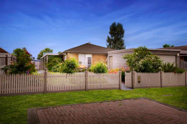 10 Briar Rose Walk, Croydon South VIC 3136