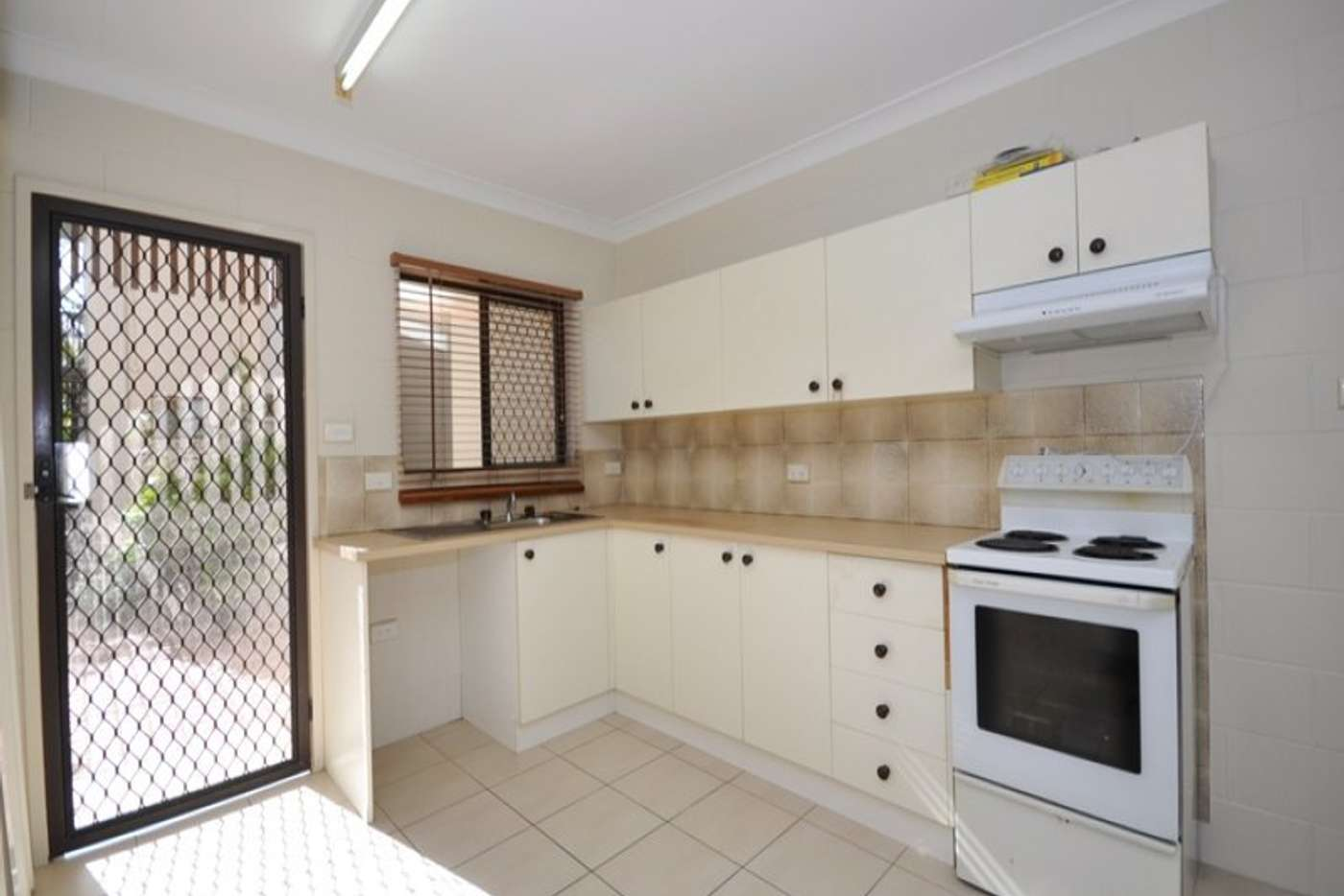 Sixth view of Homely unit listing, 3/9 Veivers Close, Westcourt QLD 4870