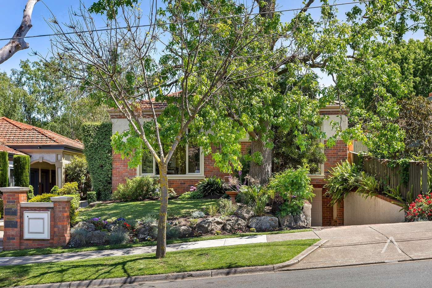 Main view of Homely house listing, 2/5 Carn Avenue, Ivanhoe VIC 3079