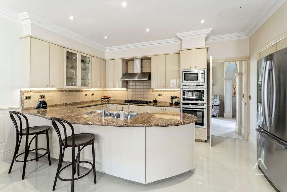 Fourth view of Homely house listing, 2/5 Carn Avenue, Ivanhoe VIC 3079