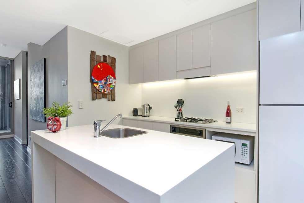 Third view of Homely apartment listing, 315/23 Shelley Street, Sydney NSW 2000