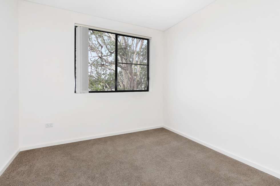 Fifth view of Homely unit listing, 15/8-12 Linden Street, Toongabbie NSW 2146