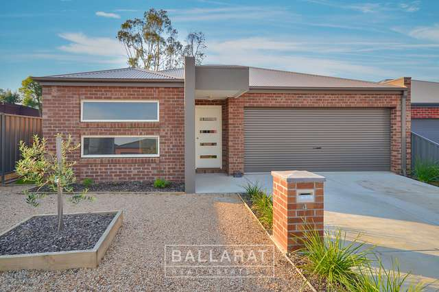 4 Creekview Close, Mount Clear VIC 3350