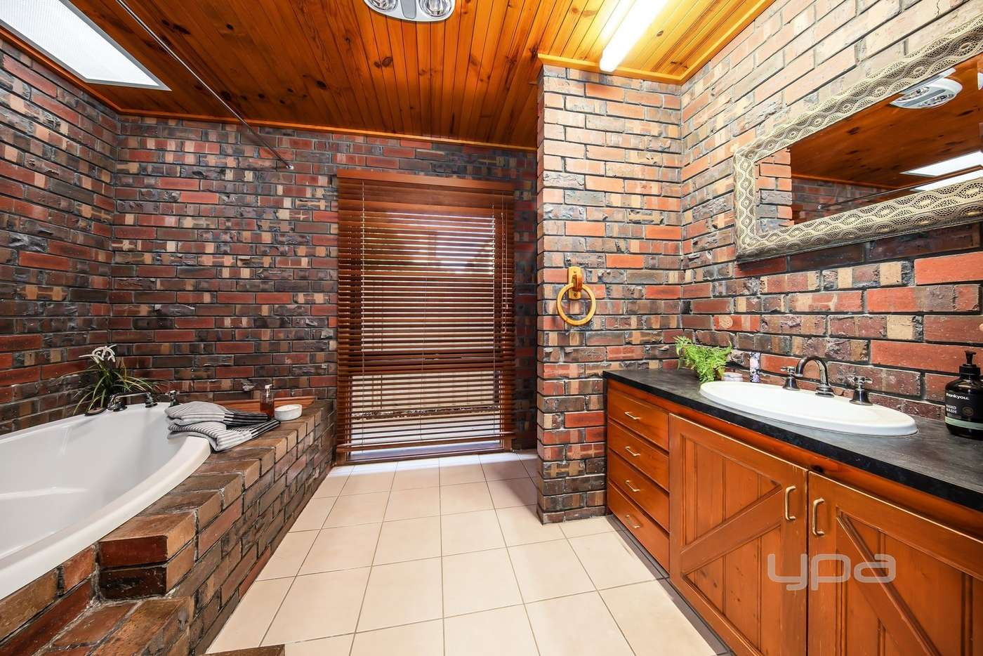 Seventh view of Homely house listing, 1/8 Montrose Court, Sydenham VIC 3037
