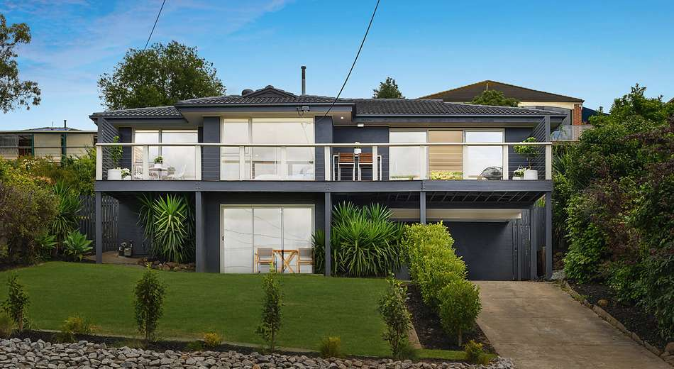 36 Culzean Crescent, Highton VIC 3216