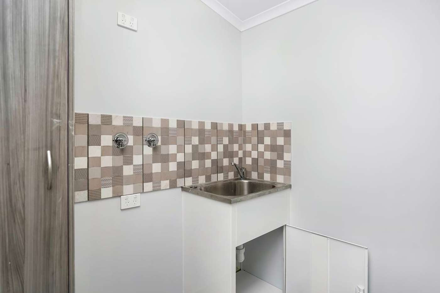 Seventh view of Homely semiDetached listing, 1/265 Aumuller Street, Westcourt QLD 4870