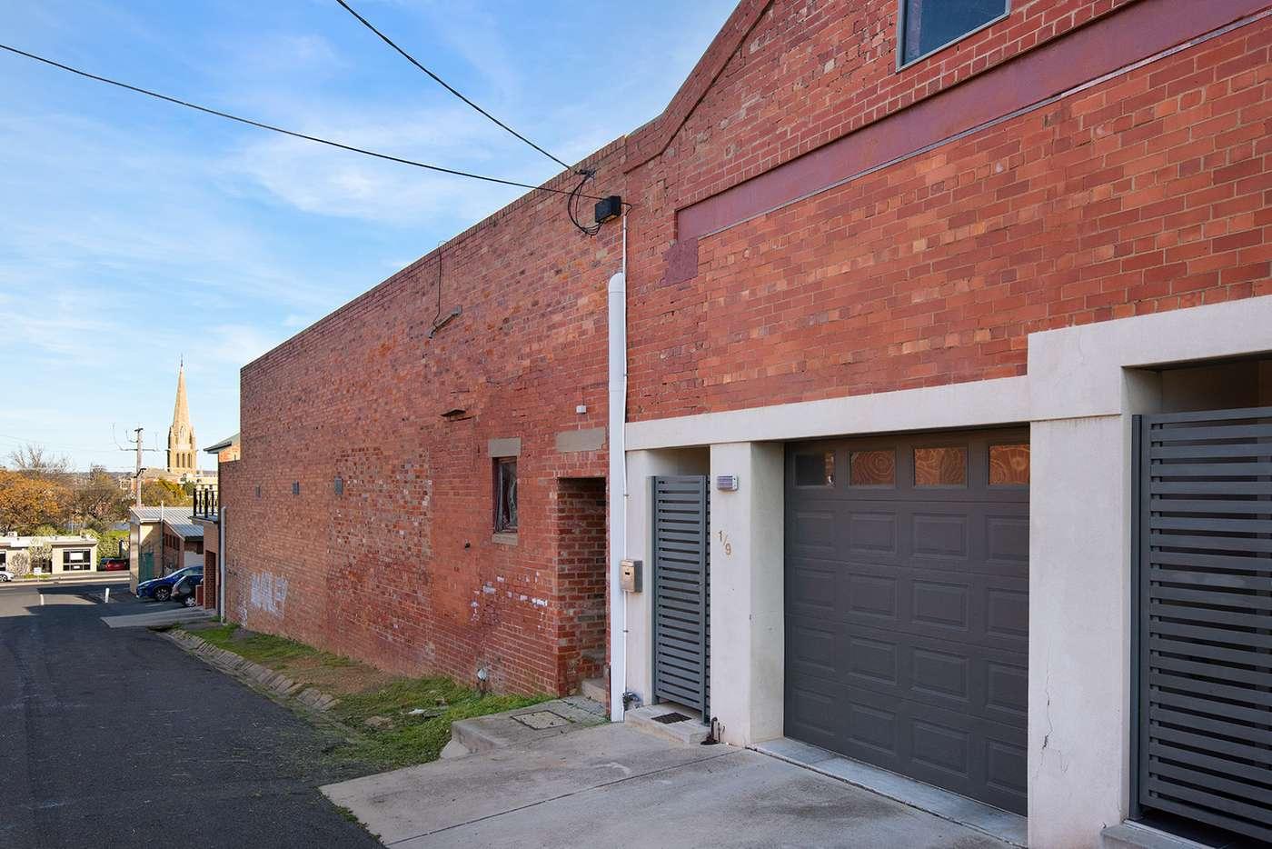 Main view of Homely townhouse listing, 1/9 Acacia Street, Bendigo VIC 3550