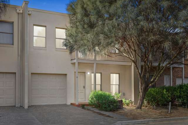 6/14 Mickleton Grove, Point Cook VIC 3030