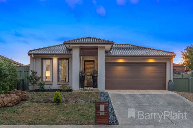 54 Waterford Drive, Miners Rest VIC 3352