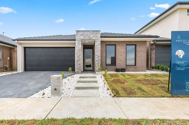 208 St Germain Boulevarde, Clyde North VIC 3978