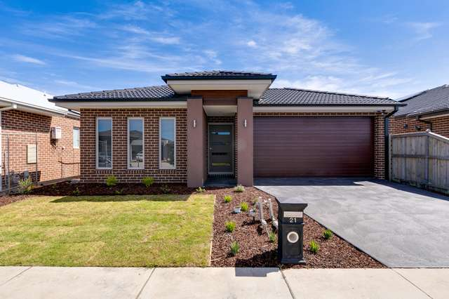 21 Orpington Drive, Clyde North VIC 3978